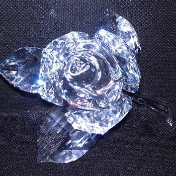 SWAVORSKI CRYSTAL ROSE - Art Glass