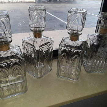 three 'generic' and one EVAN WILLIAMS bourbon glass liquor decanters - Kitchen
