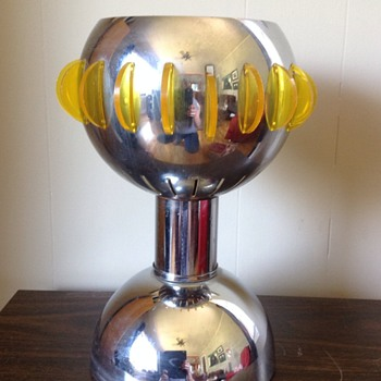 Looking to I.D. this gorgeous vintage chrome & acrylic/lucite lamp - Lamps