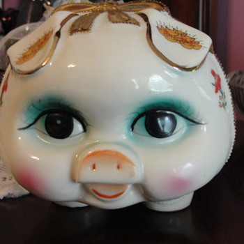 Blue eyed pig - Pottery