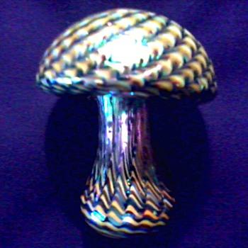 "Exquisite ""Stuart Abelman"" Iridescent Swirl Mushroom Paperweight/ Signed ""Abelman"" RM 285  Circa 1997 - Art Glass"