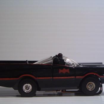 AURORA THUNDERJET 500 H.O. BATMOBILE N.M. - Model Cars