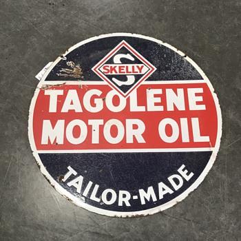 Skelly Tagolene motor oil sign  - Petroliana