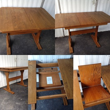Help.. Is this table old or antique