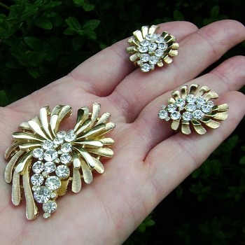 Trifari Brooch Set - Feather Wing - Costume Jewelry