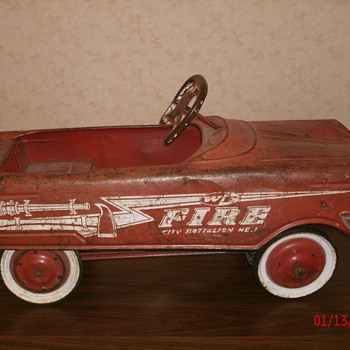 Antique Pedal Car - WF Fire Battalion 1 - Model Cars