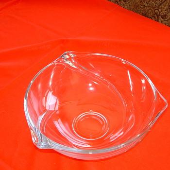 "SIGNED ""VSL"" OR ""VS1"" CLEAR CRYSTAL BOWL - Art Glass"