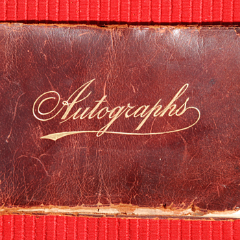 Stars of the stage autograph book (1905-08) with Enrico Caruso - Photographs