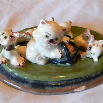 porcelain kittens display piece - Figurines