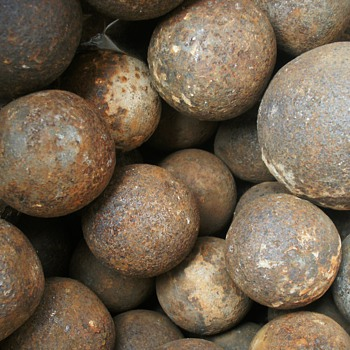 Alamo Cannon Balls - Military and Wartime