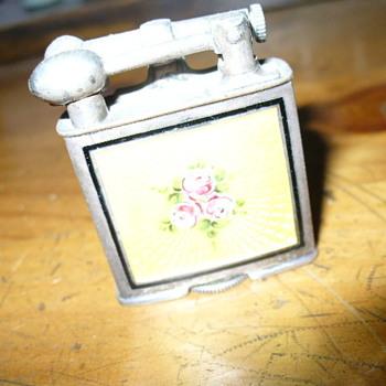 Vintage Clark Guilloche Lighter- need a part???? - Tobacciana