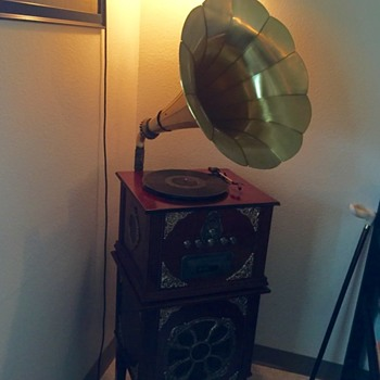Phonograph with Matching Bass Stand Amplifier, Unknown Brand
