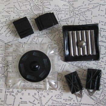Square, rectangles: Black bakelite, celluloid and metal clips, brooch. - Costume Jewelry