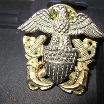 2 Piece Military Pin - Gold and Silver - Military and Wartime