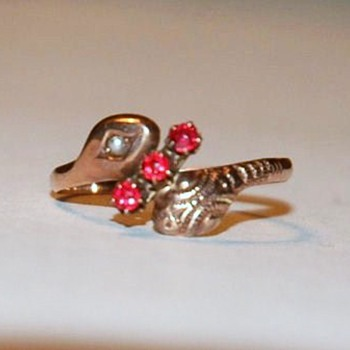 English, 9 Carat Rose Gold and seed pearl ,Double Headed, Victorian Snake Ring  - Victorian Era