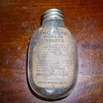 Round bottom Pill Bottle w/Pills - Bottles