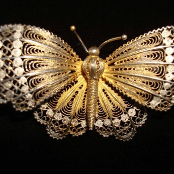 Early 19th Century Filigreed Gilt Silver Butterfly - Fine Jewelry
