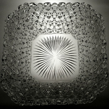 "Salad Bowl in the ""Polar Star Russian"" pattern. - Glassware"