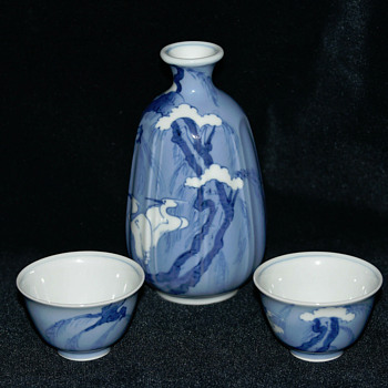 Crane themed Japanese sake set - Asian