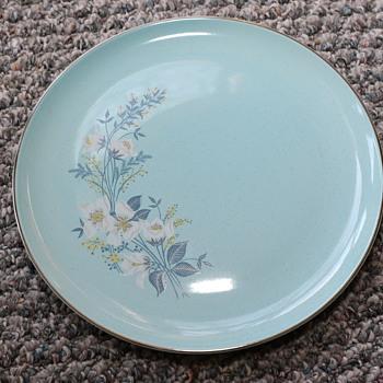 Found set of china...need help identifying it! - China and Dinnerware