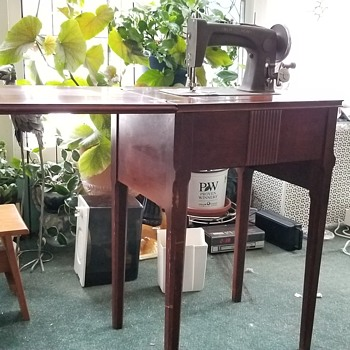 Vintage New Home sewing machine  - Sewing