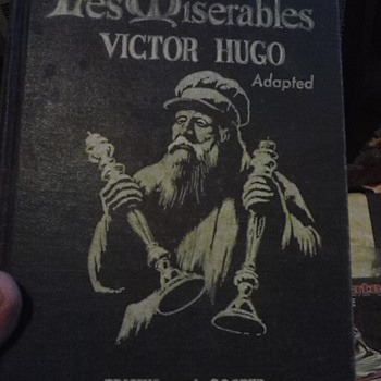 les miserables 1947 edition - Books