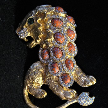 KJL - Kenneth J Lane - Crackle Cabochan ROARING LION Brooch - Costume Jewelry
