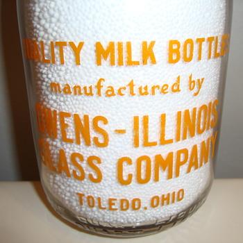 OWENS - ILLINOIS GLASS COMPANY QUART SALESMAN SAMPLE MILK BOTTLE... - Bottles