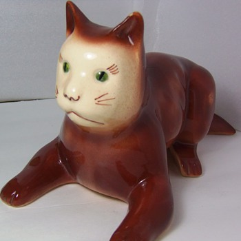 Art Pottery Cat Figure USA - Human nose? Rare? - Figurines
