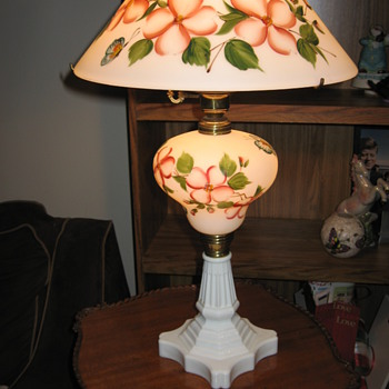 Hand painted milk glass electric lamp