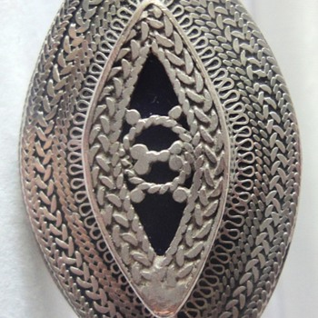 Large Sterling Silver enameled filigree oval ring - Fine Jewelry