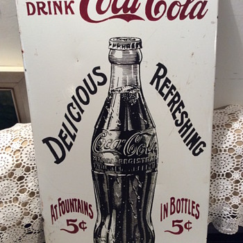 NEED HELP ON THIS - An enamel / porcelain vintage Coke sign - Coca-Cola