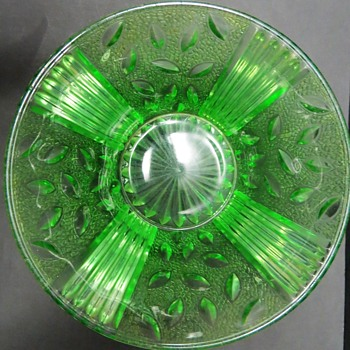 Green Glass Bowl with Leaf and Crackle Pattern? - Glassware