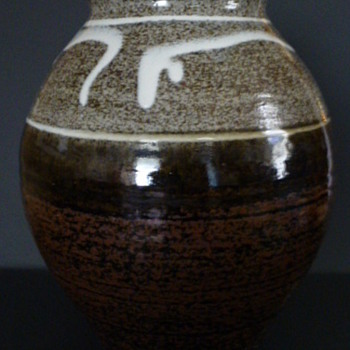 Allen Stoneware cookie jar - Pottery