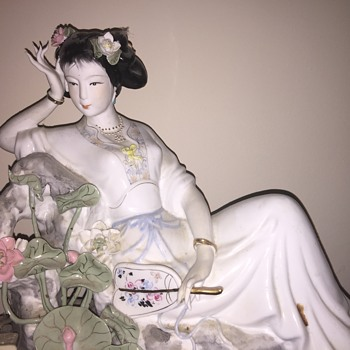 Large and Lovely Asian figurine - Asian