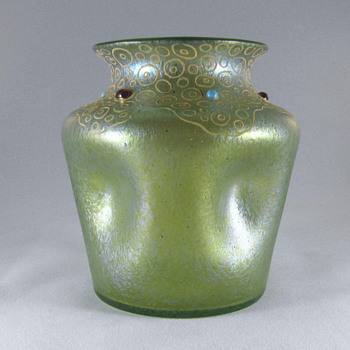 Loetz pinched Ciselé vase with enamel and cabochons. - Art Nouveau