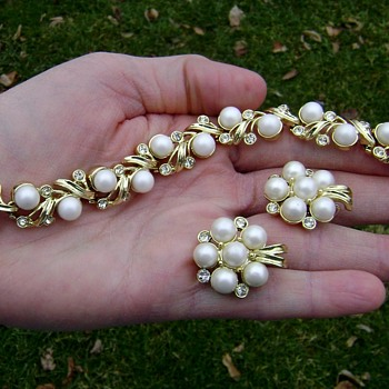 Sarah Coventry Bracelet & Earrings - Royal Ballet - Costume Jewelry