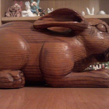 Hand carved wooden rabbit - Animals