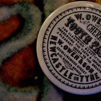 malkeys rare newcastle upon tyne  pot lid w owen  & son   tooth paste  chemists dentists lots of love  - Advertising