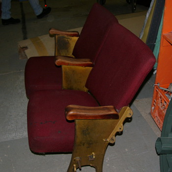 Bank of 2 vintage theater seats from the Nelson civic theater( Nelson, BC) - Furniture
