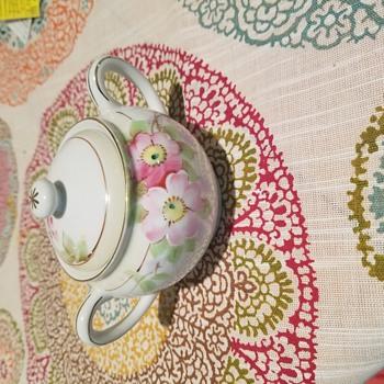 Unidentified Noritake sugar bowl and creamer