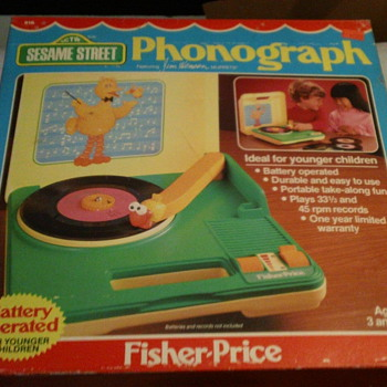 1984 SESAME STREET PHONOGRAPH BY FISHER-PRICE FACTORY SEAL MINT - Toys