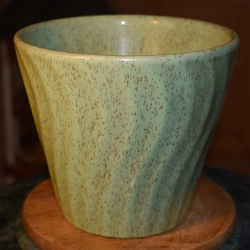 U.S. Pottery - Swirled and Speckled Flower Pot