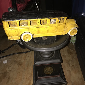 Old toy bus - Model Cars