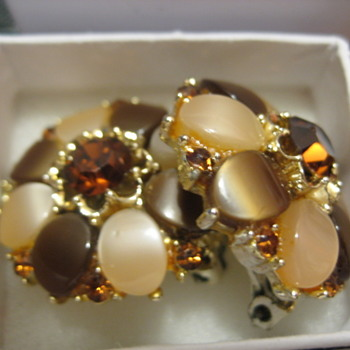 Brown & Tan Lucite Necklace and Earrings - Costume Jewelry