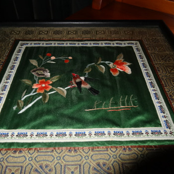 Framed Chinese embroidery Vintage. - Asian