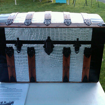 Another one of my trunks - Furniture