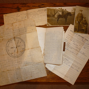WWI soldiers paperwork - Military and Wartime