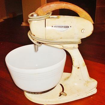 Vintage Hamilton Beach Stand Mixer - Kitchen