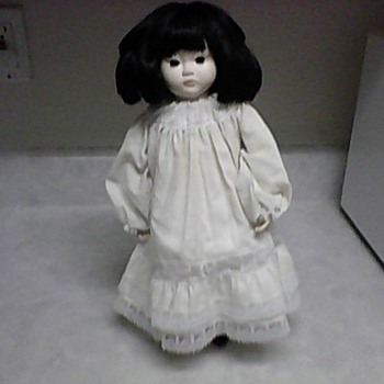 THE LING LING DOLL - Dolls